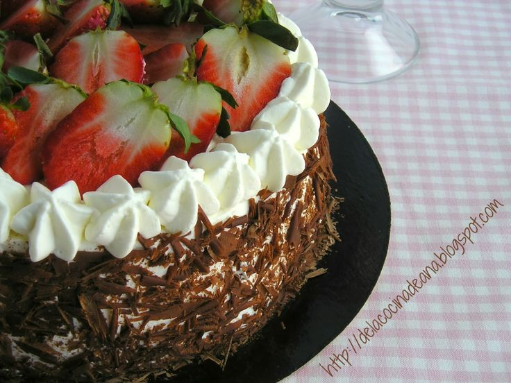 Tarta de Chocolate, Fresas y Nata