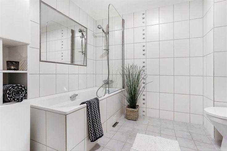 FINN – Ullerntoppen - Innbydende og nyere oppusset 5-roms selveier med to flotte terrasser og garasjeplass. Laveste kvm-pris på leilighet i Oslo vest!