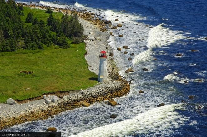Coffin Island lighthouse [2006 - Liverpool, Nova Scotia, Canada]