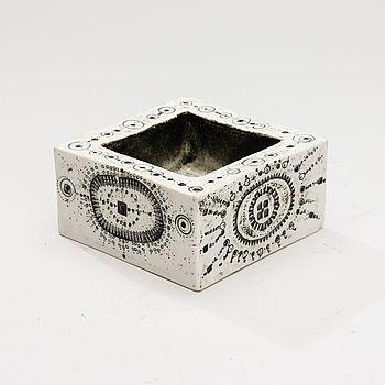 SKÅL, keramik, Arabia, signerad Bryk. #bukowskis #bukowskismarket #design #scandinavia #ceramics #arabia #rutbryk