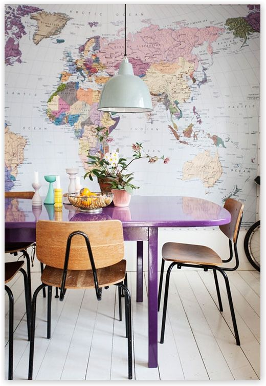 paarse tafel #paars #purple http://www.worldwide-living.nl/herfst-in-het-interieur/
