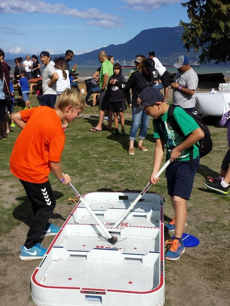 """HBOX HOCKEY on Twitter: """"busy day at Jericho...kids cant get enough #boxhockey #hboxhockey @CanuckPlace http://t.co/1Va7sOZnEv"""""""