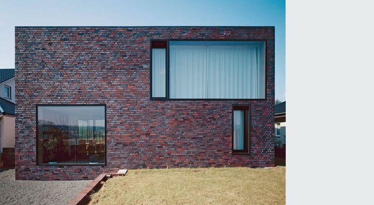 House W by BAYER & STROBEL ARCHITEKTEN