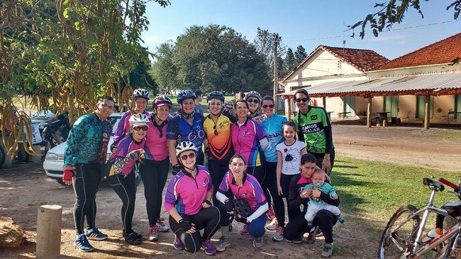 Passeio ciclístico para as mulheres ocorre neste domingo em São Manuel - Para homenagear as mulheres e incentivar o esporte, o Comando Morcego organiza o 6º Passeio Ciclístico do Dia Internacional das Mulheres, que ocorrerá neste domingo, dia 12, com saída e retorno na Praça Tonico e Tinoco, às 7h30.  O percurso, denominado Trilha do Batom, tem cerca de 30km e - http://acontecebotucatu.com.br/regiao/passeio-ciclistico-para-mulheres-ocorre-neste-domingo-em-sao-manuel
