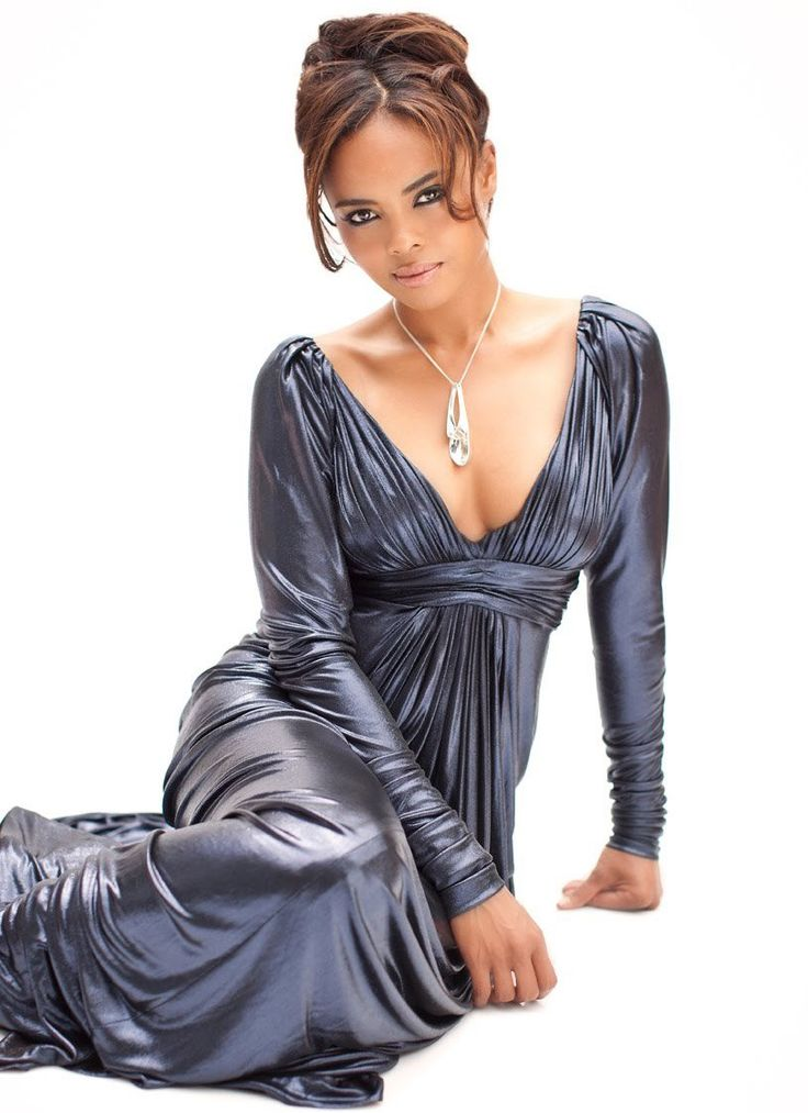 This Week's PinUp: Sharon Leal: http://www.moviesite.co.za/pinup.html