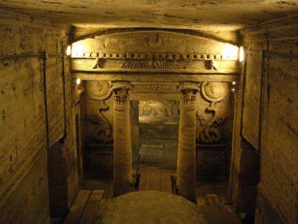 roman catacombs