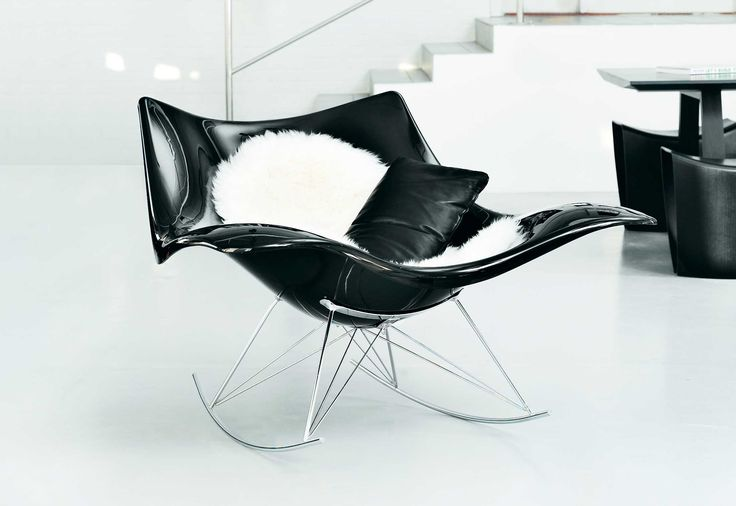 ROCKING STRINGRAY by #fredericia - An eye-catching almost futuristic interpretation of the classic rocking chair. Designer : Fredericia  #workshoptonic #design