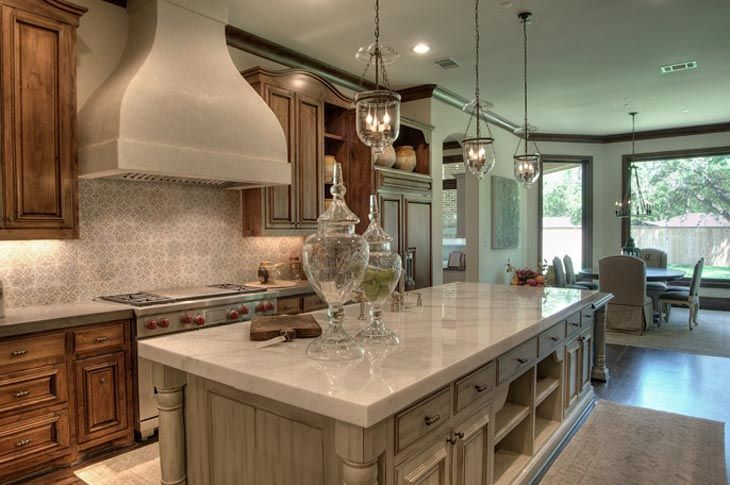 Kitchen back splash, stained cabinets mixed with painted.Kitchens Back Splashes, Cabinets Colors, Dreams Kitchens, Traditional Kitchens, Kitchens Islands, Pendants Lights, French Design, Design Studios, French Kitchens
