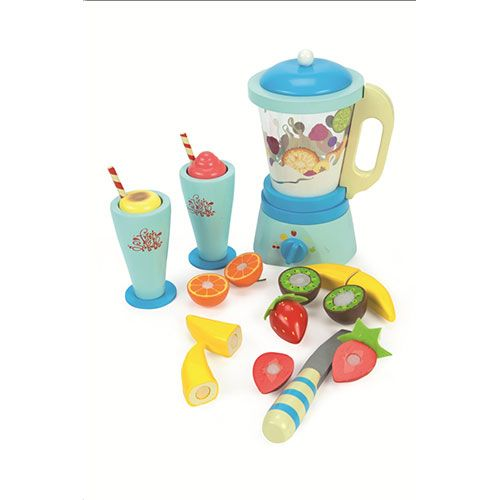 A comprehensive blender set, compete with a detachable jug, 6 sliceable fruits, a play knife and two wooden tumblers with removable toppings.  Blender: D:110mm H:210mm  3+ assembled