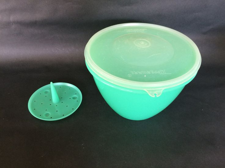 Vintage TUPPERWARE Crisp It 1970s Green Plastic Tupperware, Made in USA,Orlando Florida, 679-7, Reg. Product, Kitchenware, Lettuce Crisper by EclecticaGallery on Etsy