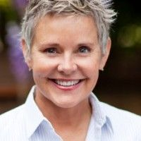 Amanda Bearse | tello Films  @MrsBearse  Amanda Bearse is an actress and director, known for Married with Children, Fright Night, Mad TV, Dharma & Greg and The Big Gay Sketch Show. She is a co-executive producer on Skirtchasers and Directed 4 of the 5 episodes.