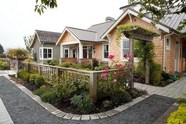 Farmhouse landscaping ideas