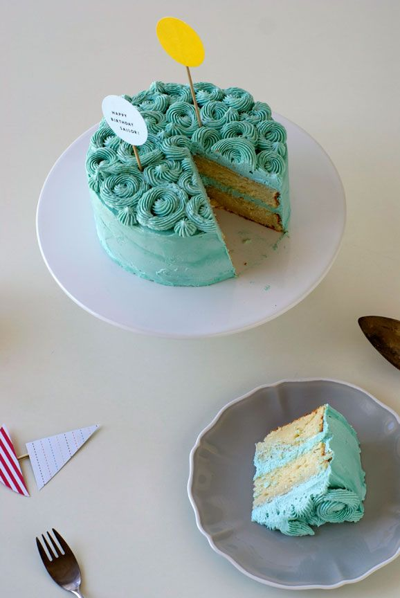 how to create a quick cupcake liner garland + wavy buttercream ocean cake  {you are my fave}