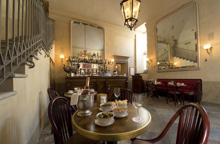 Bar e Ristorante Giacomo Bistrot Milano  commento: 5 stelline su 5 per la location e la gentilezza, meno bello il retro