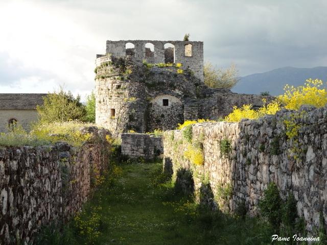 Τα κτίσματα στο Ιτς Καλέ στο κάστρο.