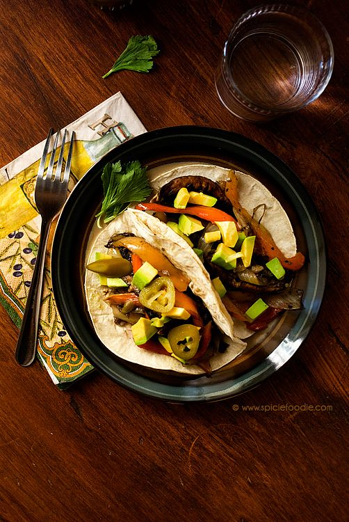 Portobello Mushroom and Cubanelle Pepper Tacos #MeatlessMondays via @SpicieFoodie