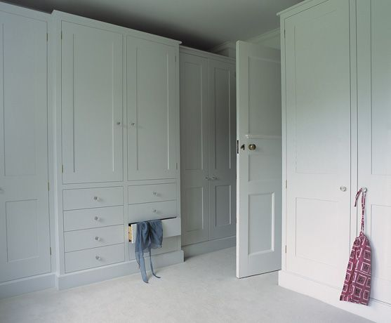 Fitted wardrobes plain english style this company mixes - Beautiful bedroom built in cupboards ...