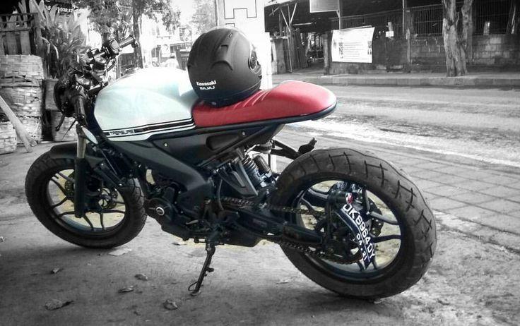 "620 Me gusta, 18 comentarios - Treasure Garage (@treasuregarage) en Instagram: """"PUSAKA"" @ardilessompotan #kawasaki #pulsar #200ns #custom #motorcycle #treasuregarage #bali…"""