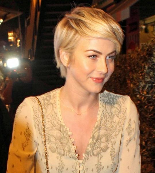 julianne hough short haircut- nice hair, colour, style