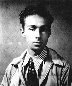 « Si c'est un homme » de Primo Levi // Un survivant qui a raconte les camps pendant l'Holocauste.  Finalement, il s'est suicidé