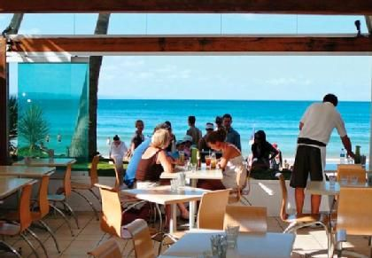 Noosa Heads for Hastings St dining and shopping and the beaches welcome to Noosa  Noosa VIP Limousines airport transfers Brisbane & Maroochydore airports www.noosaviplimousines.com