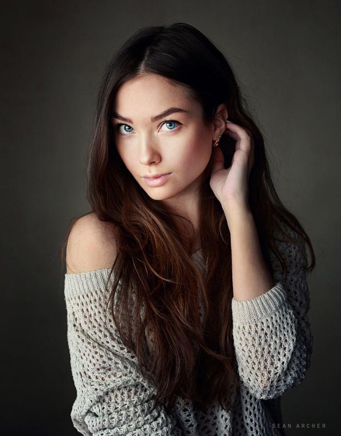красивые женские позы для фото красные пятна шее