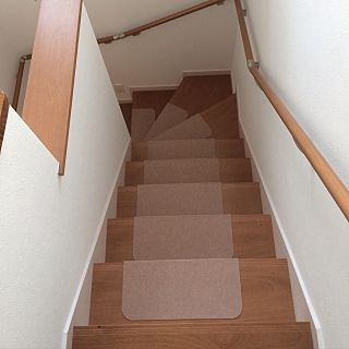 階段滑り止めマット ニトリ に関する部屋のインテリア実例の検索結果