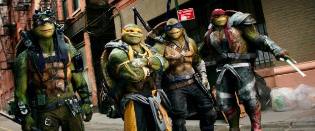 Still of Noel Fisher, Jeremy Howard, Johnny Knoxville, Alan Ritchson and Pete Ploszek in Teenage Mutant Ninja Turtles: Out of the Shadows (2016)