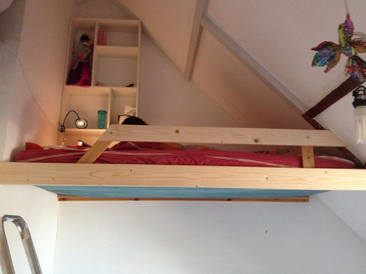17 best images about mezzanine sous comble on pinterest kid beds assemblag - Lit baldaquin fait maison ...
