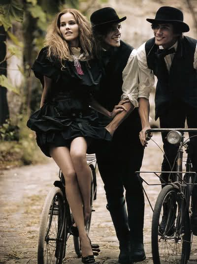 Italia Vogue Fall Bicycle Chic.