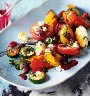 Ofengemüse mit Rote-Bete-Soße und grünem Chiliöl