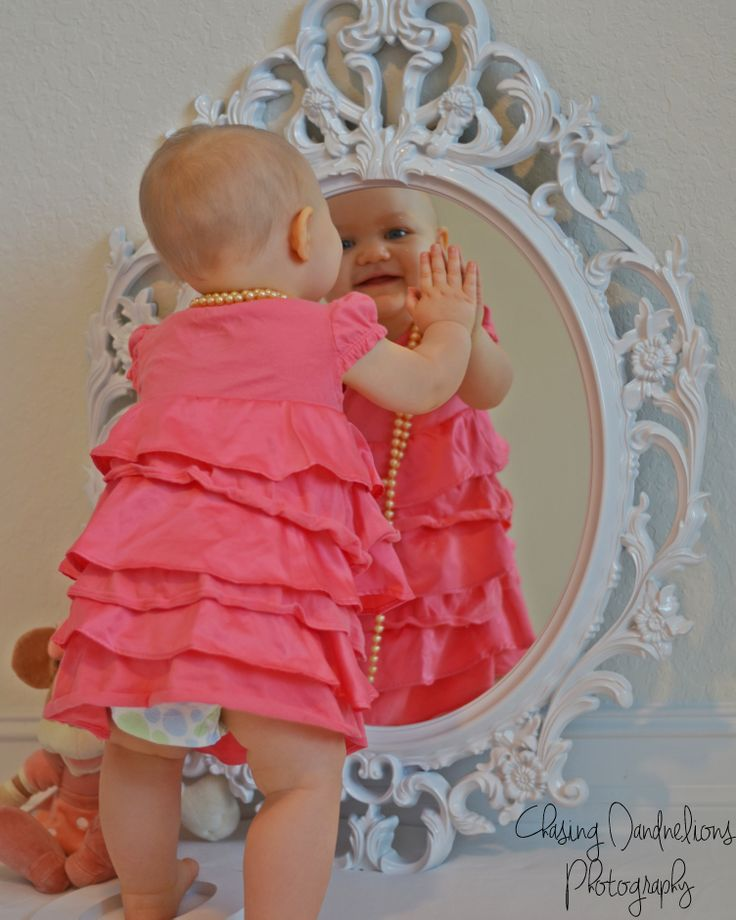 One year old Birthday pictures ideas for girls http://jesefarmer.wix.com/chasingdandelions