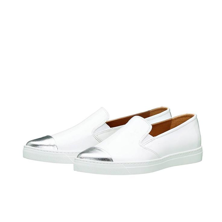 CAREY !! Τα slip-on sneakers είναι το απόλυτο fashion trend της εποχής !!