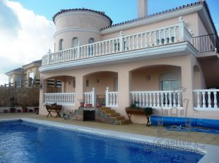 Superb south facing villa situated in an elevated position and affording beautiful sea views from Estepona to Gibraltar and across the Mediterranean to North Africa.