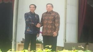 Di Beranda Belakang Istana Jokowi dan SBY Bincangkan Politik dan Ekonomi Nasional