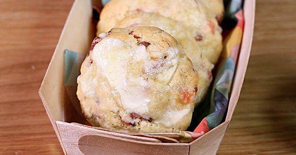 On connaît tous les cookies et on est beaucoup à les adorer. Et si on revisitait cette recette façon salée ? En ces temps de grand froid, cette recette à base de Reblochon va forcément plaire au plus grand nom...