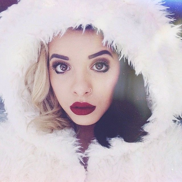 Melanie Martinez (The Voice) littlebodybigheartonline can't live without her Wicked Velvetine!