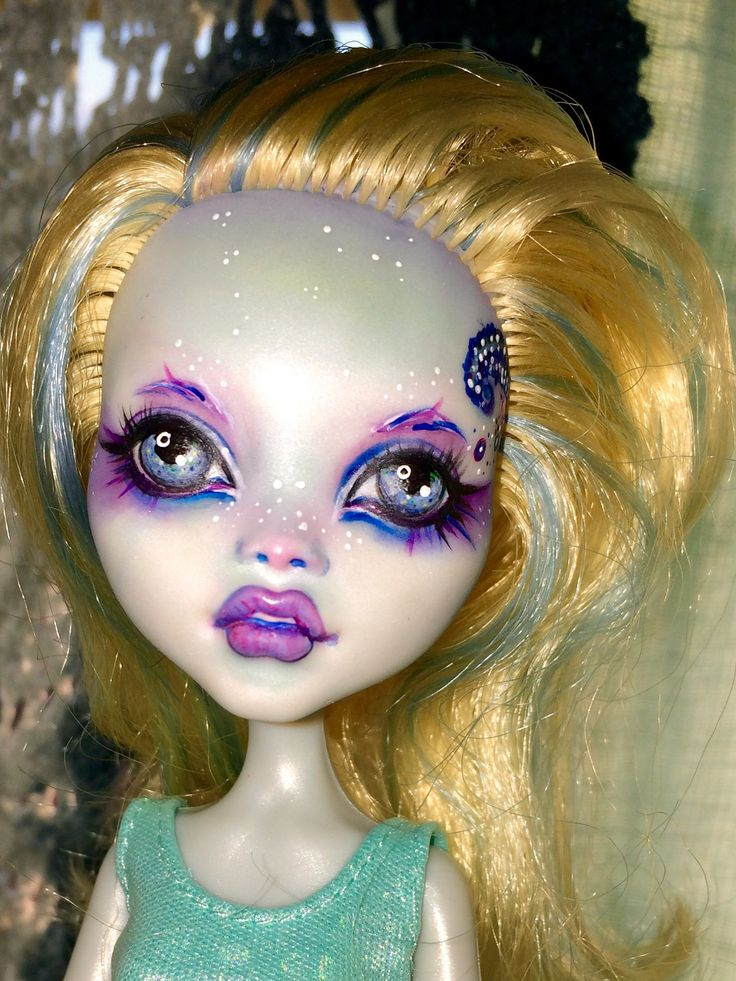 https://flic.kr/p/rAbXbq | Monster High Lagoona - Repaint by Datumzine Beautiful Memories