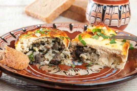 Рецептата за агнешка дроб сарма безспорно се числи към класическите за българската национална кухня рецепти. А да приготвиш вкусна дроб сарма е лесно! Агнешката дроб сарма е ястие типично за пролетния сезон, за Великден и Гергьовден, когато традиционно се хапва агнешко месо. Дроб сарма може да бъде сервирана като вкусно основно ястие, дроб сарма може да бъде и гарнитура към агнешкото на празничната…