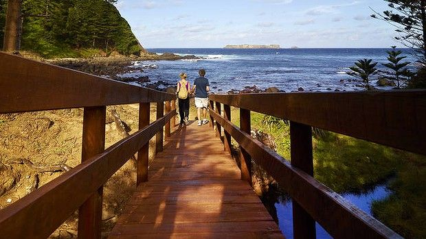 SMH Traveller article. Norfolk Island: Bounty from the mutiny