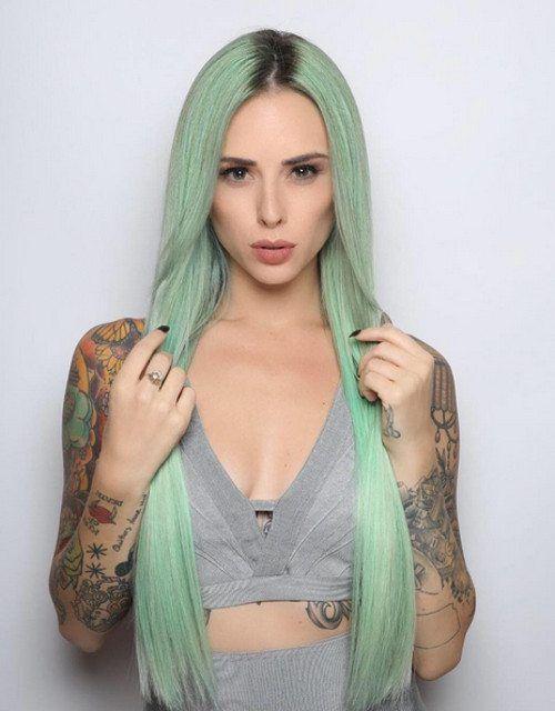 pastelowe zielone włosy
