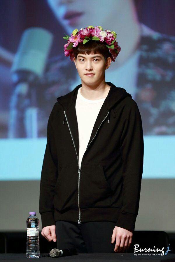 His face says it all bahahaha #Jonghyun #CNBLUE