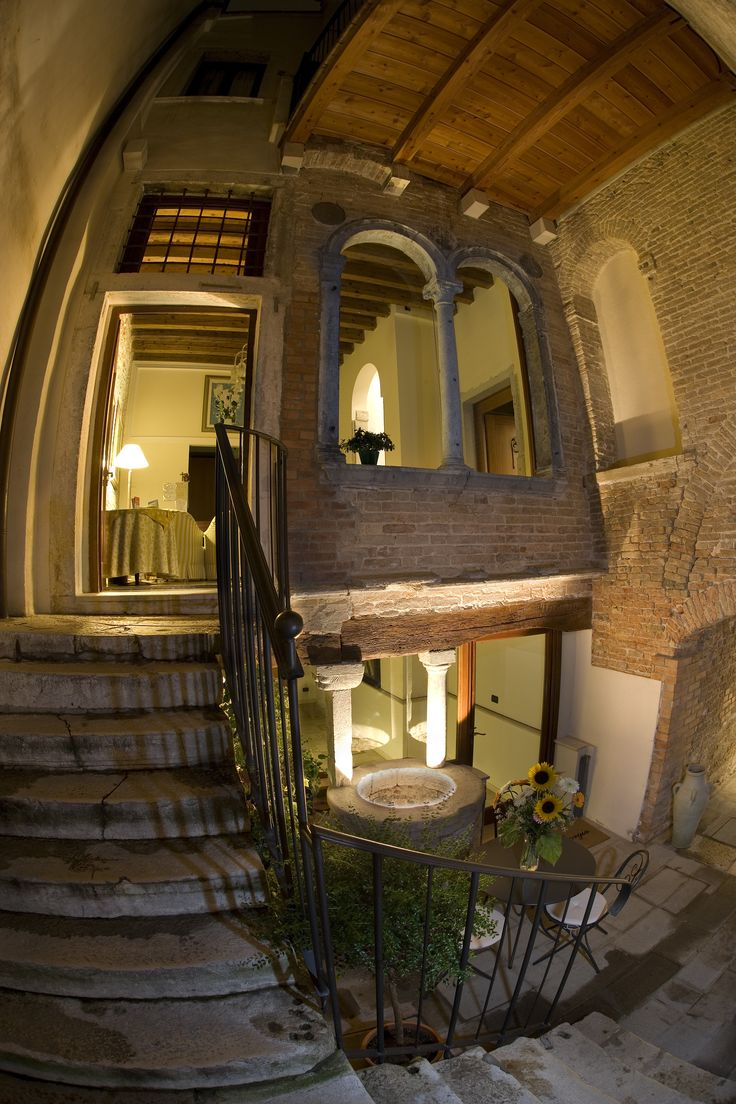 Ca' San Giorgio Relais&Suites Venezia, the perfect place for your holiday in Venice! ------------------------- Ca' San Giorgio Relais&Suites Venezia, il posto perfetto per le vostre vacanze a Venezia!
