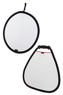 Manfrotto reflectors and diffusers allow the photographer to manipulate and control natural and/or studio lighting. The reflectors can be used to bounce light towards subjects in order to lift or eliminate harsh shadows. The diffusers reduce the light intensity as it passes through diffusing, spreading and softening it. Reflectors and diffusers are available in two shapes, triangular and circular.