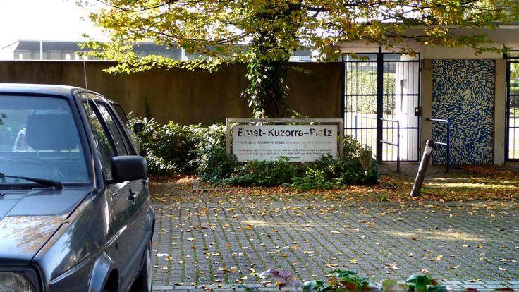 http://www.gelsenkirchener-geschichten.de/userpix/298/298_P1270882schalkeSparkasse_ausstellungKhWeichelt1280x7211430K_1.jpg