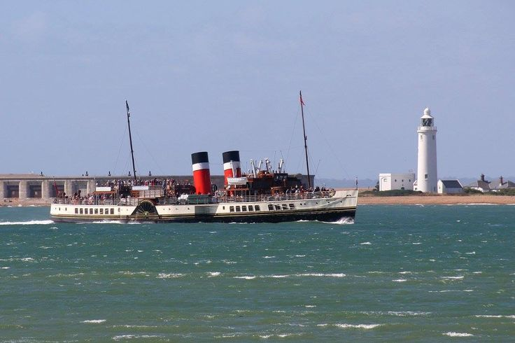 MV Waverley at Hurst Point. Photo by Colin Lee.