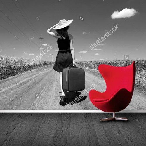 Fotobehang Lonely Girl (zwartwit) | Maak het jezelf eenvoudig en bestel fotobehang voorzien van een lijmlaag bij YouPri om zo gemakkelijk jouw woonruimte een nieuwe stijl te geven. Voor het behangen heb je alleen water nodig!   #behang #fotobehang #print #opdruk #afbeelding #diy #behangen #meisje #vrouw #reis #reizen #zwartwit