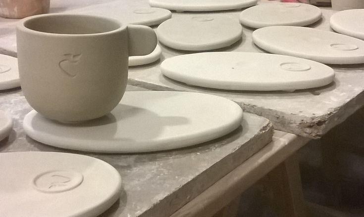 Double cappuccino set for Q U espresso coffee brand. Stoneware 1250C.