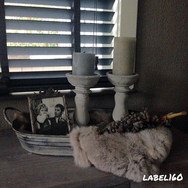HOME  #label160 #landelijk #landelijkwonen #stoer #sober #binnenkijken #binnenkijker #myhome #rustic #rusticliving #woonkamer #living #homestyling #foto #konijnenvacht #webshop #sfeer by label160_____wonen