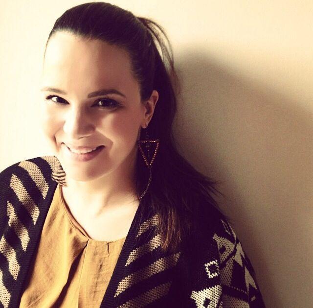 Beautiful Eliana Chrysikopoulou wearing Klaidra *triangle* feather earrings at Eleni, Alpha Tv 15december2014 #klaidrajewelry #triangle #feather #earrings #eleni #alphatv #repost #tv #handmade #jewelry #beaded #sparkle #gypsy #bohochic #greekdesigners #klaidra
